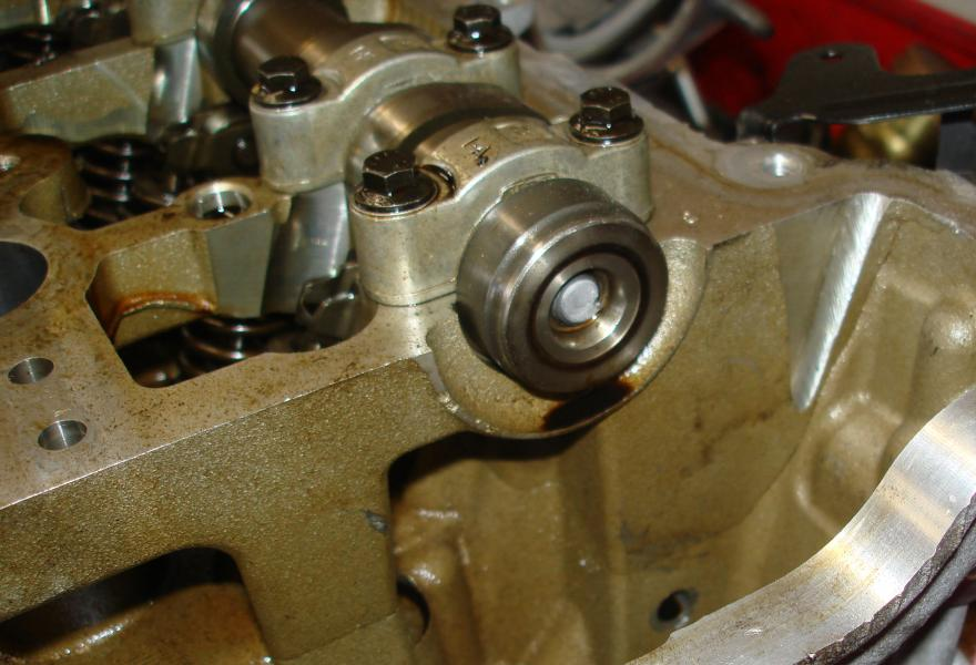 Broken Camshaft Caused by Vacuum Pump Failure