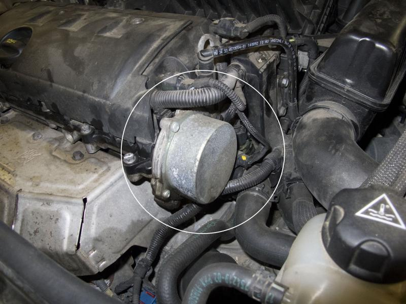 Normally-Aspirated Engine Vacuum Pump Location
